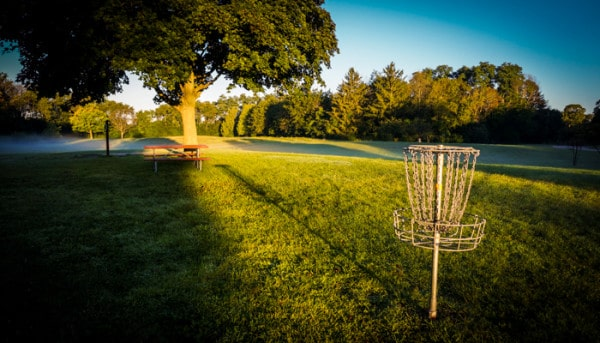 Disc golf practice for an anhyzer shot