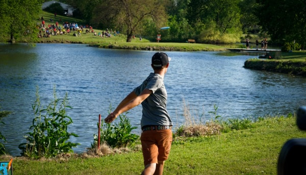Eagle Wynne showing off the most important disc golf skill.